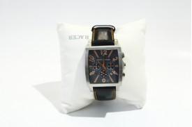 Reloj acero caja cuadrada esfera negra-naranja correa piel negra